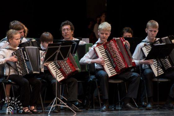 Участники сводного оркестра баянистов и аккордеонистов